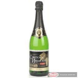 Szovjetszkoje Igrisztoje édes fehér pezsgő 0,75l